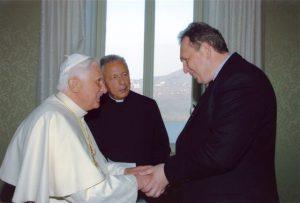 Личная аудиенция: Папа Бенедикт XVI и Ник Горячкин
